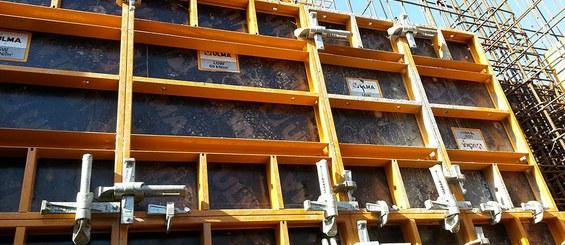 Grapa, elemento de unión de paneles