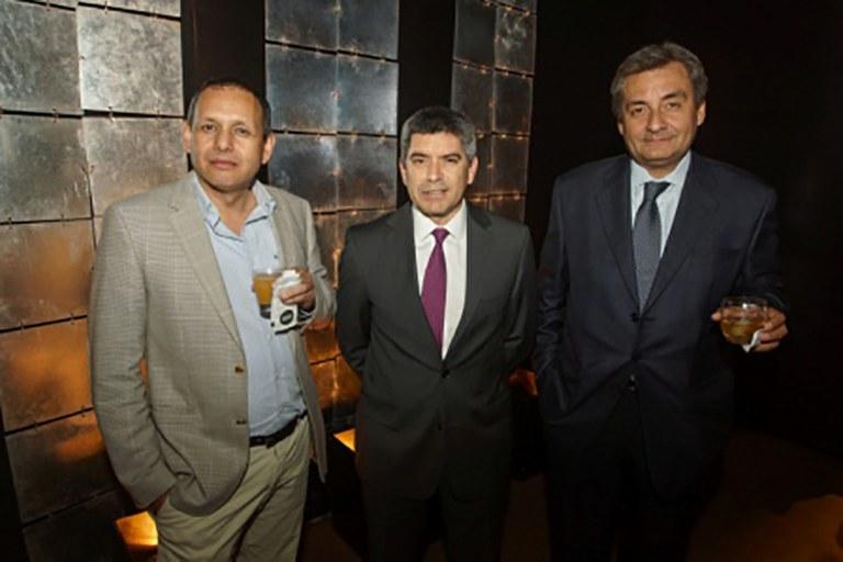 Marco Perez, Carlos Albinagorta y Antonio Bisbal.